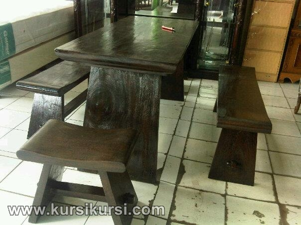 Set Kursi Makan Model Bangku Kayu Trembesi