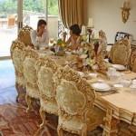 Set Kursi Makan Model Mewah Dengan Ukiran Solid