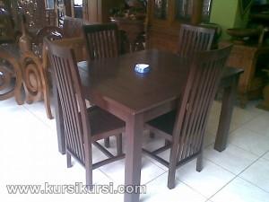 Set Kursi Meja Makan Balero Tengahan