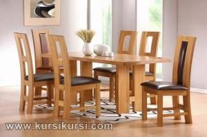 Set Kursi Meja Makan Minimalis Tengah Jok dan Lubang
