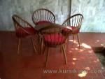 Set Kursi Teras Telur dengan Bantal Merah Kode ( KKS 963 )